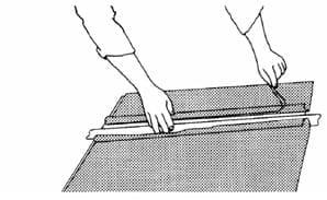 Наклеивание влажным способом полупрозрачных пленок 3М™ после трафаретной печати, термопечати или раскроя 11
